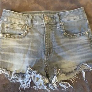 SUPER CUTE GREY AMERICAN EAGLE SHORTS